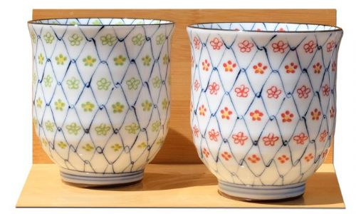 Daisy Chain Ceramic Japanese Tea Cups X 2